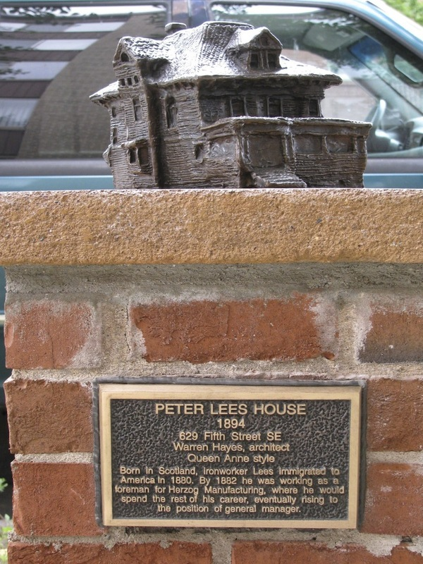 Peter Lees House Sculpture