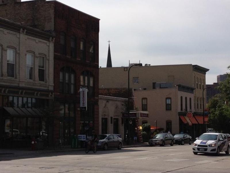 226-201 E. Hennepin Ave.