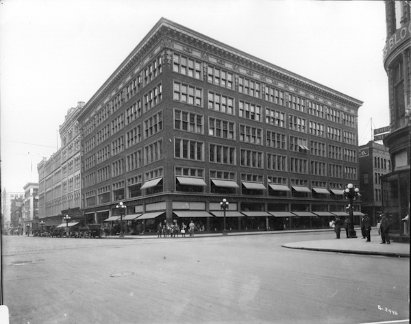 Standard Clothing Company, owned by A.M. Nordstrom at 6th and Nicollet